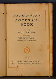 COCTELERIA. Tarling, W. J. Cafe Raoyal Cocktail Book. Illustratedd by Frederick Carter. London. Pall Mall Ltd. 1937. Pri