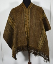 Poncho araucano de labor, base marrón